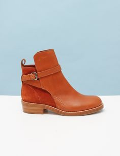 Acne Clover Flat Boots- Chestnut ($500-5000) - Svpply