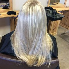 """Platinum with a light blonde lowlight #blonde #platinum #lowlights #longhair #blowout #brandedspadesalon"" Photo taken by @clarissad7 on Instagram, pinned via the InstaPin iOS App! http://www.instapinapp.com (03/12/2015)"
