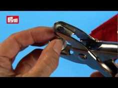 Prym Pliers for Press Fasteners, Eyelets, & Piercing Sewing Kit, Sewing Tools, Sewing Notions, Sewing Tutorials, Sewing Hacks, Sewing Projects, Pose, Techniques Couture, Couture Sewing