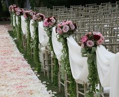 Pew Markers, Pew Bows, Aisle Runners, & Other Wedding Decor To Help You Go Down The Aisle In Style! By DIYweddingplanner