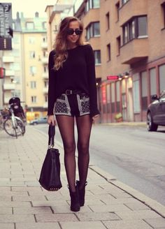 The all BLACK look done right (26 photos)