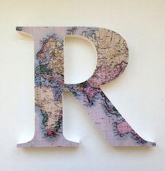Para decorar com mapas, uma letra caixa Atlas.