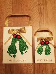Easy Christmas Crafts For Kids To Make - VCDiy Decor And More Easy Christmas crafts for kids to make are a great way to celebrate the holidays with your toddler or kids. These DIY Christmas crafts are great for gifts! Kids Crafts, Daycare Crafts, Toddler Crafts, Preschool Crafts, Preschool Age, Christmas Crafts For Kids To Make Toddlers, Crafts For Babies, Kids Diy, Craft Projects