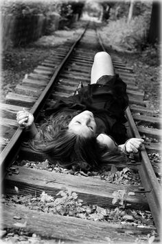 @Rachel Pressley when we do the pictures at the railroad tracks, i want a picture JUST LIKE this<3