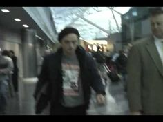 Twilight star Robert Pattinson arrives to JFK airport in NYC Nov 20 2008