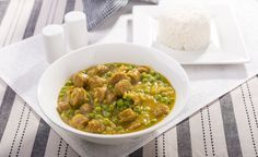 Slowcooker Coconut Curry Sausages