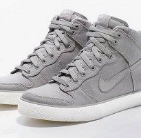 13e13c73a Nike Dunk Hi AC Tier Zero.if only for Women  sigh  wait. Find in little  boys sizes to fit woman - amazing womens shoes