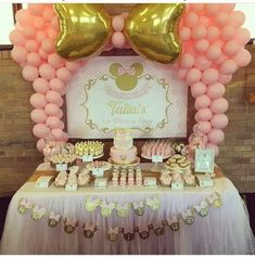 mickey mouse birthday party ideas Minnie Mouse Doum Gn Konsepti rnler, Pati Setleri ve Organizasyon Paketleri - 2nd Birthday Party For Girl, Minnie Mouse Birthday Decorations, Minnie Mouse Theme Party, Minnie Mouse First Birthday, Minnie Mouse Baby Shower, Birthday Ideas, Gold Party Decorations, Mickey Party, Balloon Decorations