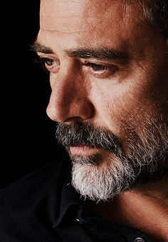 Jeffrey Dean Morgan aka Negan in 'The Walking Dead'! Jeffrey Dean Morgan, James Dean Morgan, John Winchester, The Walking Dead, Pretty People, Beautiful People, Daryl Dixon, Good Looking Men, Carl Grimes