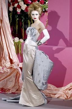 John Galliano for Christian Dior Spring Summer 2010 Haute Couture Dior Haute Couture, Style Couture, Couture Fashion, Christian Lacroix, Couture Christian Dior, John Galliano, Galliano Dior, Dior Fashion, Fashion Moda