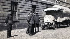Improvised Armour, From The British Army 1916 To The Islamic State 2016 – AN SIONNACH FIONN Ireland 1916, Dublin Ireland, Irish Republican Army, Armoured Personnel Carrier, Car Makes, British Army, Armored Vehicles, Revolutionaries, Locomotive