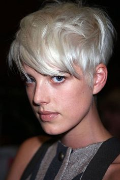 Agyness Deyn and her famous white blond pixie Short Hair Styles, Hairstyle, Messy Short Hair, Short White Hair, Short Blonde Hair, Hair Styles, Hair Styles 2014, Best Short Haircuts, Cool Short Hairstyles
