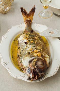 Receta de Besugo al estilo Orio  http://issuu.com/foodfilmmakers/docs/navidad_noeslomismo/1