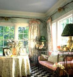 Romantic Home Decorating Ideas in Vintage Style