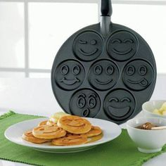 I found 'Pancake Face Pan' on Wish, check it out!