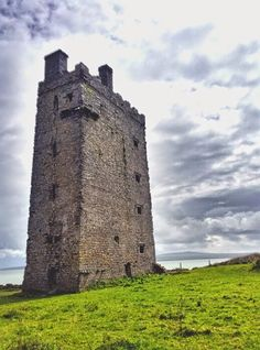 Carrigaholt Castle, Loop head Co Clare, Ireland. The castle was built in late 1400's by the McMahons chiefs of the Peninsula who were descendents of the the King of Munster.