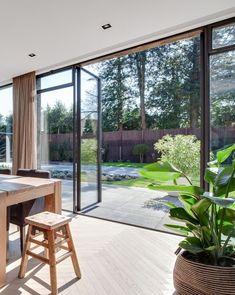 The slim steel frames offer a contemporary and elegant design.