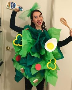 Diy halloween costumes 89579480076427215 - Salad Costume with Green Tissue Paper. Ideas for trunk or treat, Sunday school parites, bible study, Awana and more! Source by fclash Food Costumes, Last Minute Halloween Costumes, Homemade Costumes, Creative Halloween Costumes, Halloween Kids, Cute Costumes, Group Halloween, Best Costume, Halloween Makeup