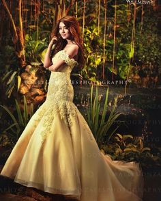 """""""This is so amazing and pretty! I wish that my debut will be like this haha [ Kathryn Bernardo Debut, Kathryn Bernardo Outfits, Pre Debut Photoshoot, Quinceanera Dresses, Prom Dresses, Modern Filipiniana Dress, Debut Gowns, Debut Ideas, Quince Dresses"""