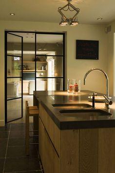 Villabouw Vlassak Verhulst Dekru iron framed doors taatsdeuren stalen deuren pivot deuren steel doors