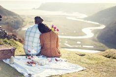 Просто ОтдохниИдеальных отношений нет… Есть женская мудрость не замечать мужские глупости. Есть мужская сила прощать женские слабости...