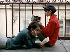 Jean-Pierre Leaud and Juliet Berto reading books Jean Pierre Leaud, Poesia Visual, Photographie Portrait Inspiration, The Love Club, Jean Luc Godard, Romance, French Films, Film Stills, Hopeless Romantic