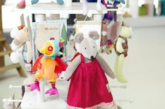 (c) Vnímavé hračky, predajňa Voderady