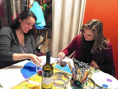 Therapist in West Dundee brings out 'unique talent' in artists