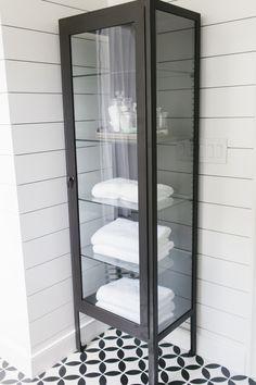 Pharmacy cabinet in the bathroom || Studio McGee