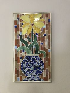 Blue Vase with Yellow Flower Mosaic Flowers, Mosaic Ideas, Mosaic Art, Yellow Flowers, Tiles, Vase, Magic, Patterns, Recipes