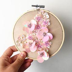 #flowers #burcukilicdesign #handbeaded #handembellishment #embellishments #hautecouture #couturefashionweek #lfw #bespokestyle