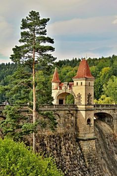 Beautiful Places In The World, Places Around The World, Around The Worlds, Prague Czech Republic, Castle House, Beautiful Castles, Kirchen, Countries Of The World, Holiday Travel