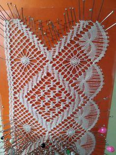 Bobbin Lacemaking, Bobbin Lace Patterns, Lace Heart, Brazilian Embroidery, Lace Jewelry, Tatting Lace, Lace Making, Doilies, Lace Detail