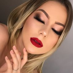 glam makeup – Hair and beauty tips, tricks and tutorials Red Lips Makeup Look, Red Lipstick Makeup, Glam Makeup Look, Day Makeup, Eye Makeup Tips, Bride Makeup, Prom Makeup, Makeup For Brown Eyes, Makeup With Red Dress