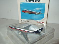 Herpa Wings 502870 Boeing 767-300 for AeroMexico Diecast Model in 1:500 Scale.