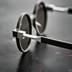 Details we like / Glases / Frame / Geometric / Circular / at NOWY produkt | ideas for sale