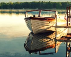 Enjoying the lake in classic style ~ looks just like our old Penn Yan