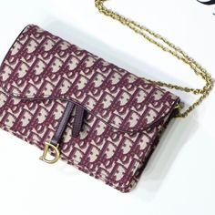 2020 Limited Real Dior Saddle Oblique Bag 22 14 5 3 High Quality Dior Saddle Oblique Bag 22 14 5 3 With Competitive Price Get From The Best Abags Website Clutch Bag, Tote Bag, Latest Bags, Classic Handbags, Day Bag, Prada Handbags, Luxury Bags, Evening Bags, Burgundy