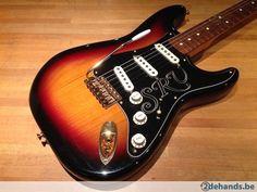 Fender 1998 SRV Signature Stratocaster + tweed case - Te koop