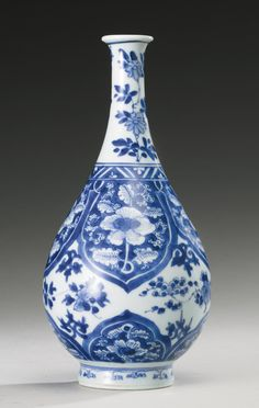 """RP: BLUE AND WHITE BOTTLE VASE, QING DYNASTY, KANGXI PERIOD. """"Repinned by Keva xo""""."""