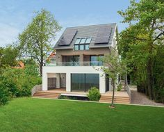 Baufritz UK, eco-friendly houses, energy efficient homes, timber houses, House Langenargen Minimalist House Design, Minimalist Home, Modern House Design, Layouts Casa, House Layouts, Haus Am See, Small Modern Home, Modern Family, Contemporary Cottage