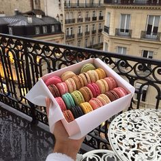 Planning on going to Paris to eat some food? Check out the must try foods that are in Paris for you to eat and now your trip is complete. Cute Food, I Love Food, Good Food, Yummy Food, Yummy Yummy, Tasty, Delish, Macarons, Food Goals