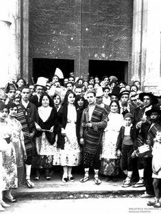 Vintage Photography, Espadrilles, Spain, Concert, Nostalgia, Witches, Weddings, Old Photographs, Vestidos