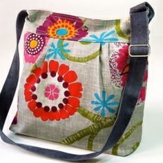 Mimosa Gray Diaper bag - Messenger spring floral print with garnet red pink turquoise flower - 8 pockets. I know it's a diaper bag, but so cute! Handmade Handbags, Handmade Bags, Diy Sac, Pink Turquoise, Turquoise Flowers, Fabric Bags, Beautiful Bags, Beautiful Women, Handbag Accessories
