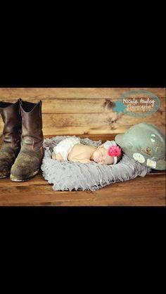 Baby fever wife has 23 New Ideas - Modern Boy Pictures, Newborn Pictures, Baby Photos, Newborn Pics, Family Photos, Oilfield Baby, Oilfield Wife, Baby Name Generator, Foto Baby