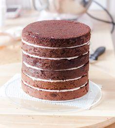 Wedding Cake Recipes 90580 The Chocolate Molly Cake Recipe Easy Lemon Bundt Cake Recipe, Ginger Bread Cookies Recipe, Chocolate Banana Bread, Chocolate Biscuits, Sweet Recipes, Cake Recipes, Dessert Recipes, Köstliche Desserts, Delicious Desserts