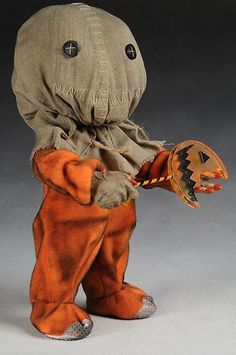 Awesome and super creepy for Halloween! Sideshow Collectibles Trick R Treat Sam action figure Halloween Prop, Diy Halloween Decorations, Holidays Halloween, Halloween Crafts, Happy Halloween, Creepy Toys, Scary Dolls, Creepy Doll Costume, Sam Trick R Treat