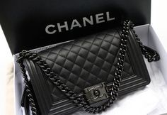 Chanel so black boy! medium size big New Chanel so black boy! Chanel Handbags, Black Handbags, Fashion Handbags, Fashion Bags, Chanel Bags, Black Chanel Purse, Fashion Mode, Burberry Handbags, Trendy Fashion