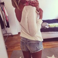 Spring / Summer Outfit - Knit Top - Shorts