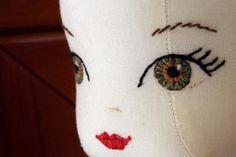 broder des yeux de poupée